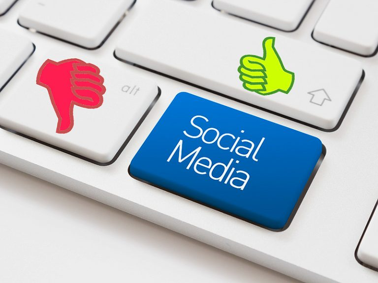 Social Media Effects (Positive And Negative)